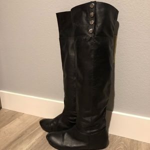 black leather Chinese Laundry women's size 9 boots